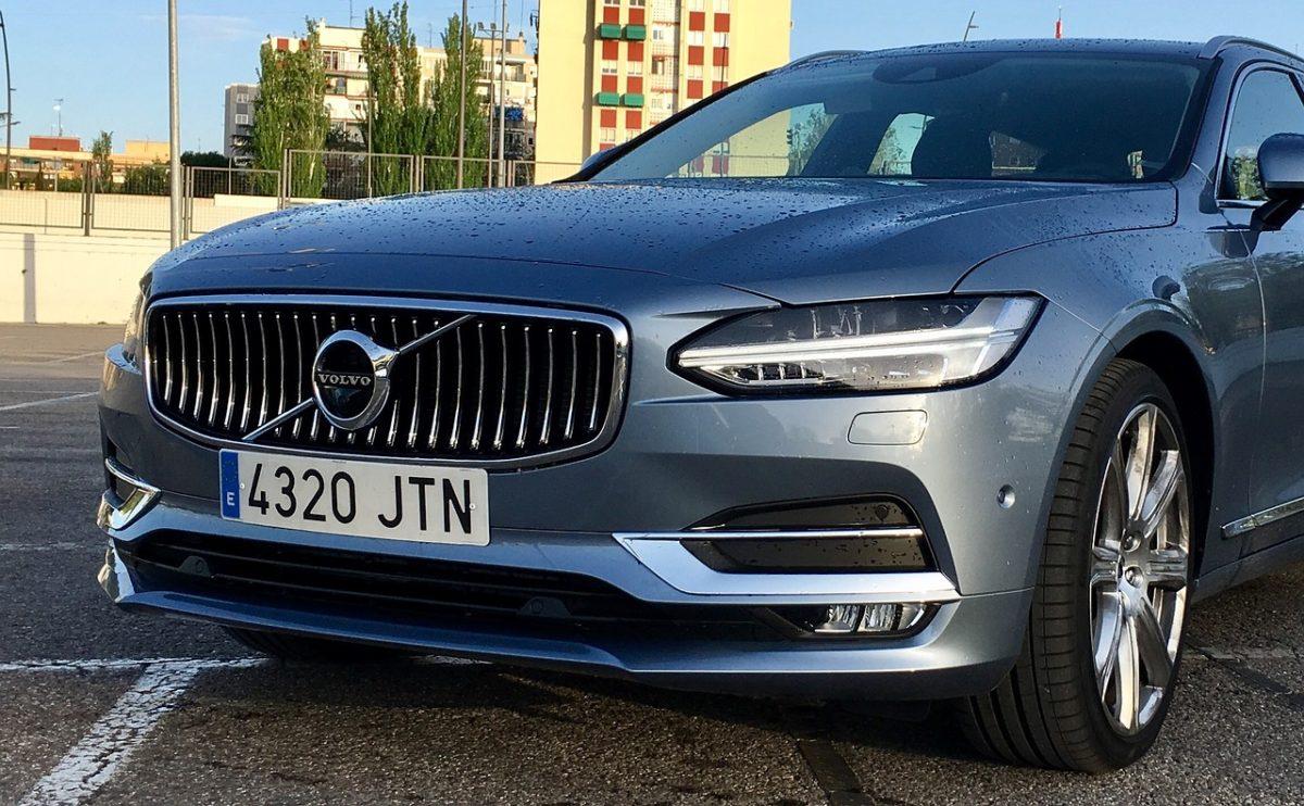 2020 Volvo S60 T8 Dugoročni uvod
